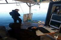DENIZ KUVVETLERI KOMUTANLıĞı - Emekli Öğretmen, Su Altında 'ROV' Cihazı İle Aranıyor