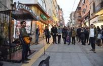 Giresun Belediyesi'nden Sokak Müzisyenleri İçin 'Sokak Sahnesi'