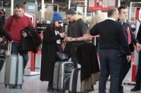 CAN BONOMO - Havalimanında Yılbaşı Yoğunluğu