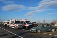 KARAOĞLANLı - Manisa'da Otomobil Takla Attı Açıklaması 6 Yaralı