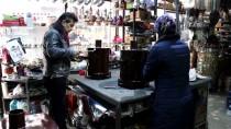 DEMIRCILIK - Mesleğine 'Fındık Kabuğu Sobası'yla Yeniden Isındı