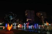 ERDAL İNÖNÜ - Muratpaşa'da Yeni Yılın Rengi Kırmızı - Beyaz
