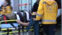 Öğrenci Servisi İle Yolcu Otobüsü Çarpıştı Açıklaması 18 Yaralı