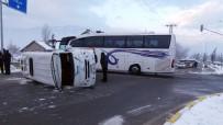 Öğrencisi Servisi İle Yolcu Otobüsü Çarpıştı Açıklaması 18 Öğrenci Yaralı
