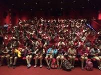 PATLAMIŞ MISIR - Türkiye'de 1 Milyon, Mersin'de 29 Bin Öğrenci Sinemayla Buluştu