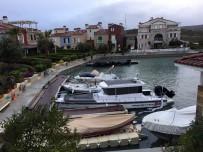 PATLAMA SESİ - Alaçatı Port'taki Yangının Boyutu Gün Ağarınca Ortaya Çıktı
