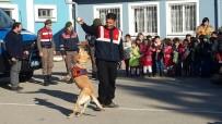TRAFİK KURALLARI - Jandarma Salihli'de Öğrencilerle Buluştu