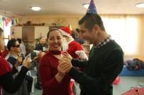 KAYALı - Kuşadası'nda Engellilerden Yeni Yıl Kutlaması