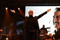HAYVAN HAKLARı - Leman Sam Şarkıları İle Isıttı