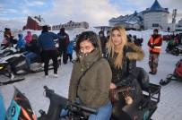 KAR MOTOSİKLETİ - Uludağ'da Arap Turistlerin Karda Safari İzdihamı
