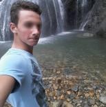 KORKU FILMI - Rize'de Derste Arkadaşını Boynundan Bıçaklayarak Öldüren Öğrenci 15 Yıl Ağır Hapis Cezasına Çarptırıldı