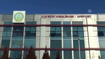 YERLİ TURİST - Rus Turistler Kayseri'de Karanfillerle Karşılandı