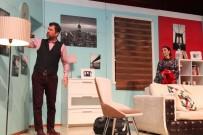 GEBZELI - Tiyatro Severler Gebze Kültür Merkezi'nde Bir Araya Geldi