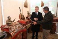 ERDAL ERZINCAN - Vali Gül, Ozanlar Müzesi'ni Gezdi