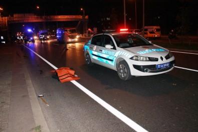 Anne ile kızına minibüs çarptı: 2 ölü