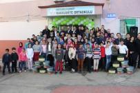 AKÇALı - Köy Okulunu Gönüllü Olarak Boyadılar