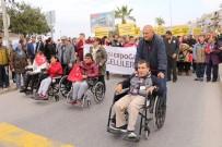 İSMAİL CEM - Kuşadası'nda Engelli Yürüyüşü