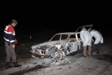 Kütahya'da yanmış otomobilde 2 ceset bulundu