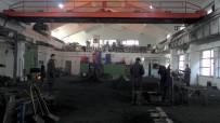 DÖNER SERMAYE - Fabrika Gibi Çalışan Okulun Öğrencileri İşsiz Kalmıyor