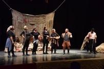 Tiyatro Festivalinde 'Nor Betmez'' Oyunu Sahne Aldı