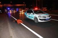 MİNİBÜS ŞOFÖRÜ - Yalova'da Anne İle Kızına Minibüs Çarptı Açıklaması 2 Ölü