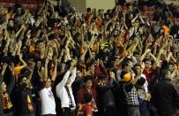 BILYONER - Galatasaray Tribünlerinde 'Can Topsakal İstifa' Sesleri