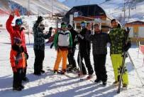 İRANLıLAR - İranlı Turistler Palandöken'e Akın Etti