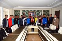 GENÇLİK VE SPOR İL MÜDÜRÜ - Valilikten Amatör Spor Kulüplerine Malzeme Desteği