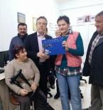 ENGELLİ ÖĞRENCİ - Bakan Yardımcısı Karabay'a Engelli Öğrenciden El Emeği Hediye
