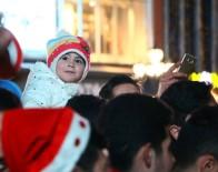 NOEL BABA - Başkentliler Yeni Yılı Kızılay'da Karşılıyor