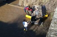 Gömeç'te Dereye Uçan Taksi Şoförü Hayatını Kaybetti