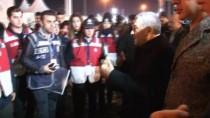 İSTANBUL EMNIYET MÜDÜRÜ - İstiklal Caddesi'nde Çalışan Polislere Emniyet Müdürü Ziyareti