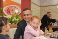 KEMAL ÇEBER - Vali Çeber, Çocuk Evinde Kalan Çocukları Eğlendirdi