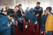 AHMED-I HANI - Yeni Montlarını Polis Amcaları Giydirdi