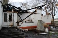Bayramiç'te Belediyeye Ait Bina Yandı
