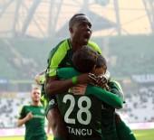 DOĞUM GÜNÜ - Bursasporlu Futbolcular Farklı Galibiyetin Sevincini Yaşıyor