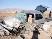YOLCU MİNİBÜSÜ - Cizre'de Trafik Kazası Açıklaması 1 Ölü, 4 Yaralı