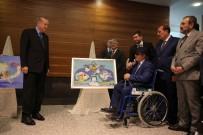 EŞREF ARMAĞAN - Cumhurbaşkanı Erdoğan, Görme Engelli Ressamın Sergisini Gezdi