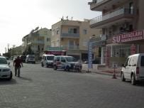 Didim Esnafı Dükkan Önüne Park Edilen Araçlara İsyan Etti