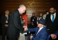 EŞREF ARMAĞAN - Erdoğan Görme Engelli Ressamın Sergisini Gezdi