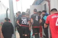 ATATÜRK KAPALI SPOR SALONU - Futbol Maçı Eziyete Dönüştü