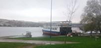 DEMIRLI - Gezi Teknesine Kumar Baskını Açıklaması 30 Gözaltı