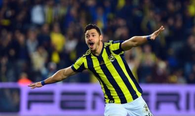 Giuliano Fenerbahçe'yi sırtlıyor