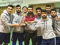 HARRAN ÜNIVERSITESI - Harran Üniversitesi Voleybol Takımı 1. Lig'e Çıktı