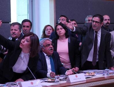 HDP'li 19 vekile fezleke