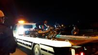 BAŞPıNAR - İki Motosiklet Kafa Kafaya Çarpıştı Açıklaması 4 Yaralı
