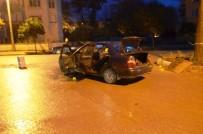 EFES - İzmir'de Seyir Halindeki Araca Silahlı Saldırı Açıklaması 1 Yaralı