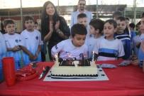 DOĞUM GÜNÜ - Maçta Minik Kerem'e Doğum Günü Sürprizi