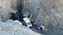 MEHMET AKTAŞ - Şırnak'ta 2'Si Kardeş 3 Kişi Kömür Ocağındaki Kuyuya Düştü