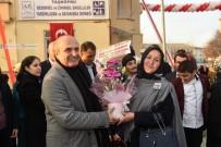 ZİHİNSEL ENGELLİLER - Taşköprü Bedensel Ve Zihinsel Engelliler Yardımlaşma Derneği Hizmete Açıldı